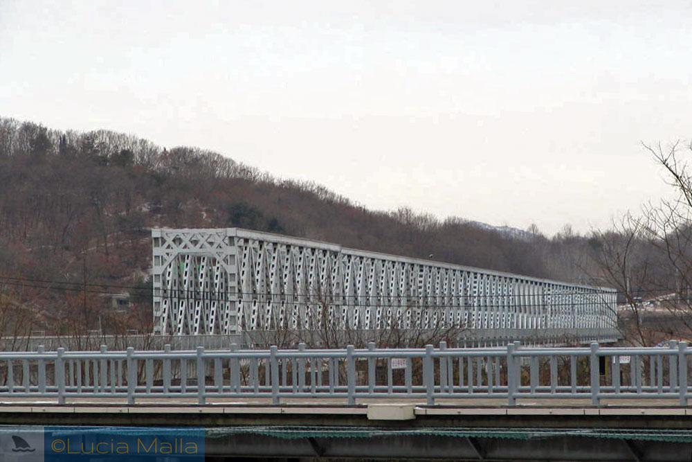 Ponte da Liberdade - fronteira entre Coréia do Sul e Coréia do Norte
