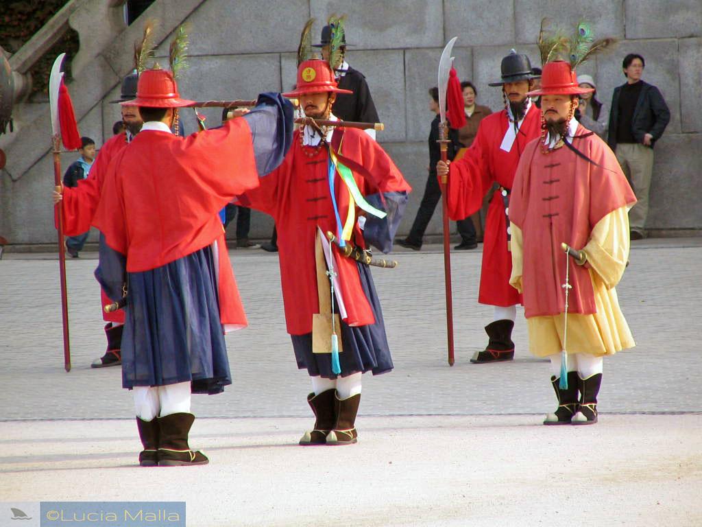Devore Seul - troca da guarda real no Palácio Gyeongbokgung