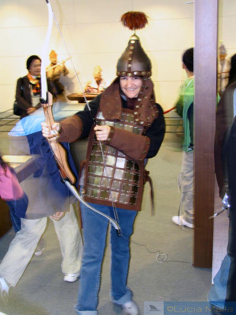 Com roupa de guerreira da dinastia Baekjae - Festival em Ganggyeong - Coréia do Sul