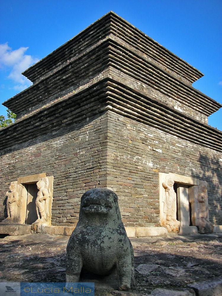 Ruína da pagoda do templo Bunghwangsa - Gyoeng-ju - Coréia do Sul