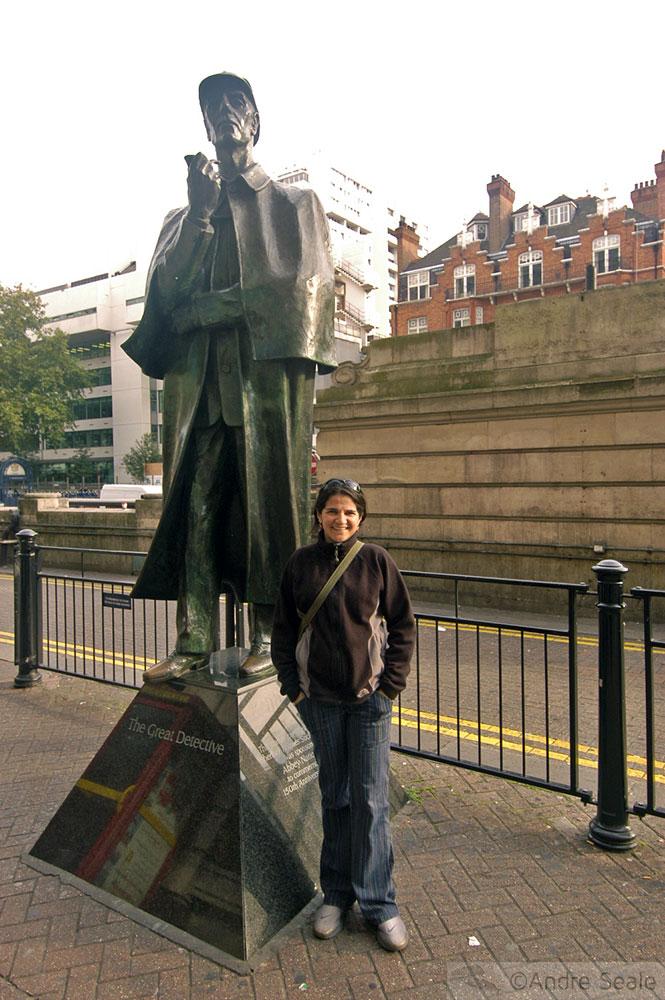 Elementar, meu caro Watson! - Estátua do detetive Sherlock Holmes - Londres
