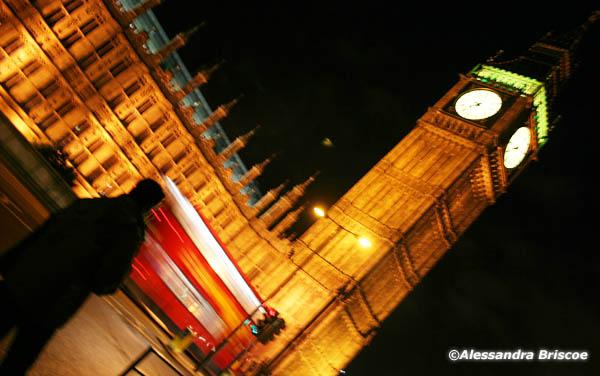 De barco pelo Tâmisa - Londres - Big Ben à noite