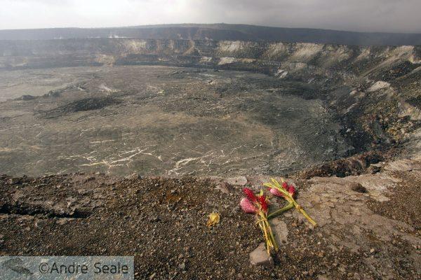 Cratera Halema'uma'u em vog