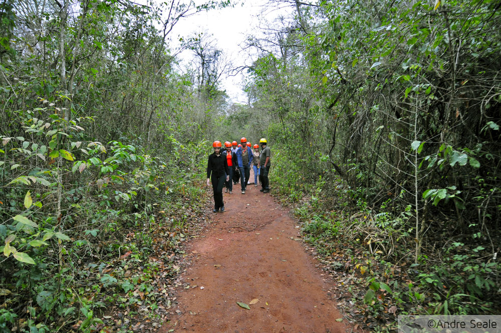 Gruta do Lago Azul - Bonito MS - grupo de passeio