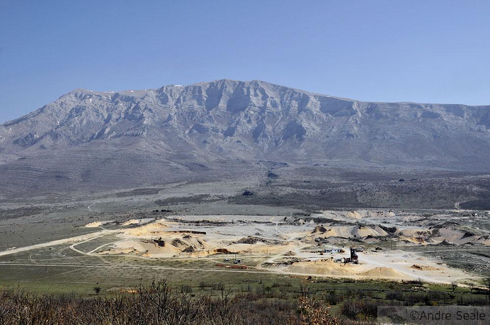Alpes Dináricos - no meio do caminho tinha uma pedra - Roteiro pelo interior da Croácia