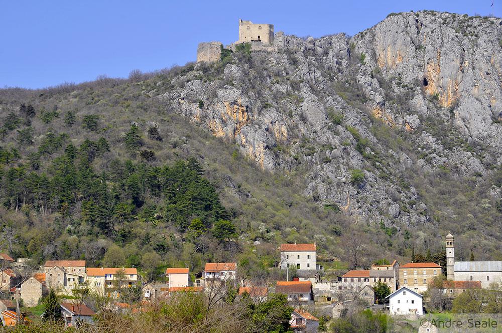Castelo de Vrilka - roteiro interior da Croácia pela estrada E71
