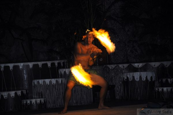 Luau havaiano - dança do fogo