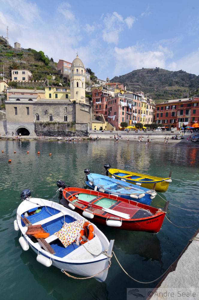 Roteiro de um dia no Cinque Terre - marina de Vernazza - Itália