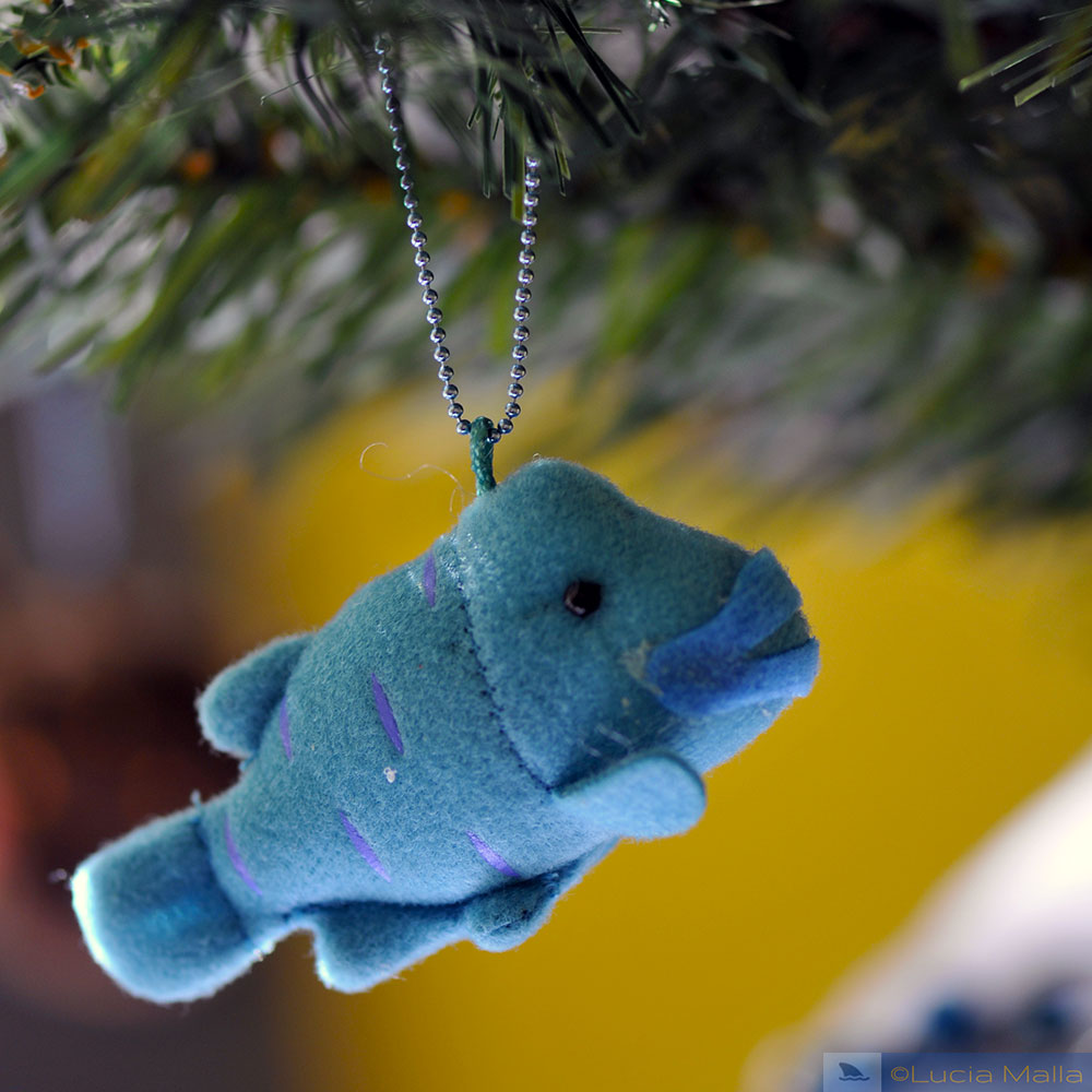 peixe-napoleão de feltro - árvore de Natal marinha