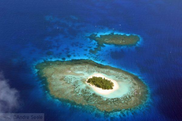 Ilha remota desabitada - vista aérea