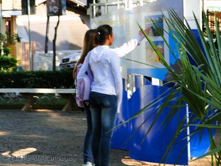 """Crianças na Exposição """"Jardins Marinhos Tropicais"""""""