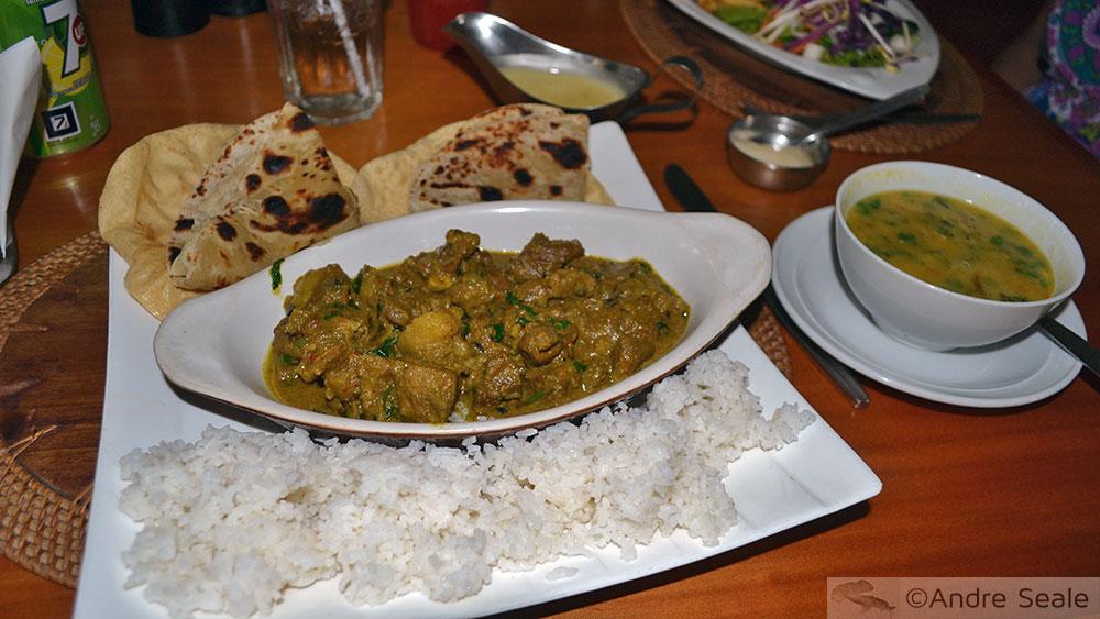Sabor de Fiji - curry e samosas - gastronomia