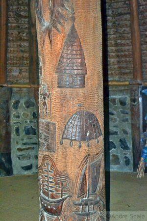 Centro Tjibaou - pilar de sustentação casa kanak - Nova Caledônia