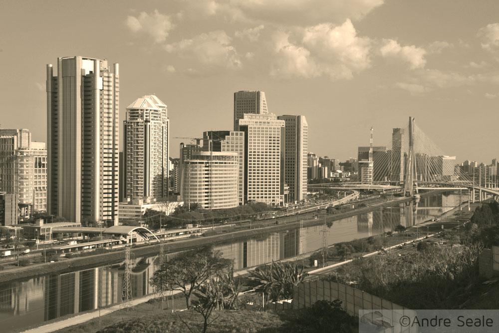 Foto de São Paulo em preto e branco - Cerveja Paulistânia
