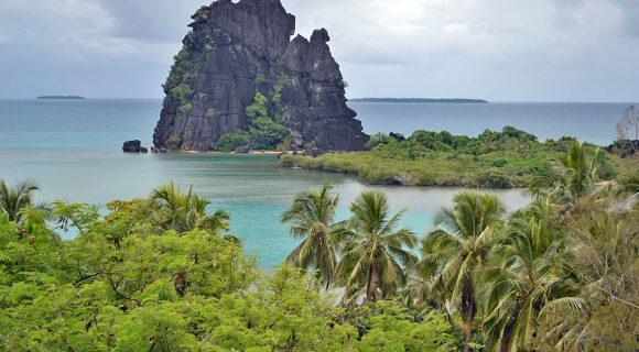 Pela costa nordeste da Nova Caledônia: de Poindimié a Hienghène