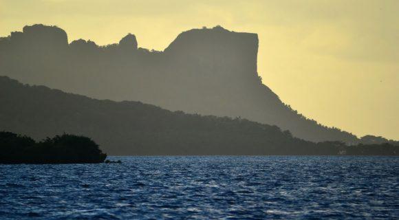 O cartão postal de Pohnpei: Sokehs Rock