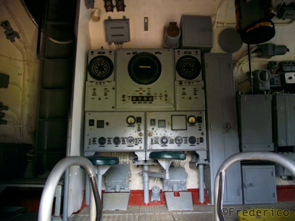 Dentro do submarino em Pearl Harbor - Havaí
