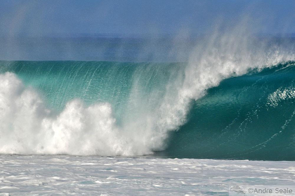 Tubo perfeito na onda de Pipeline - North Shore de Oahu - Havaí