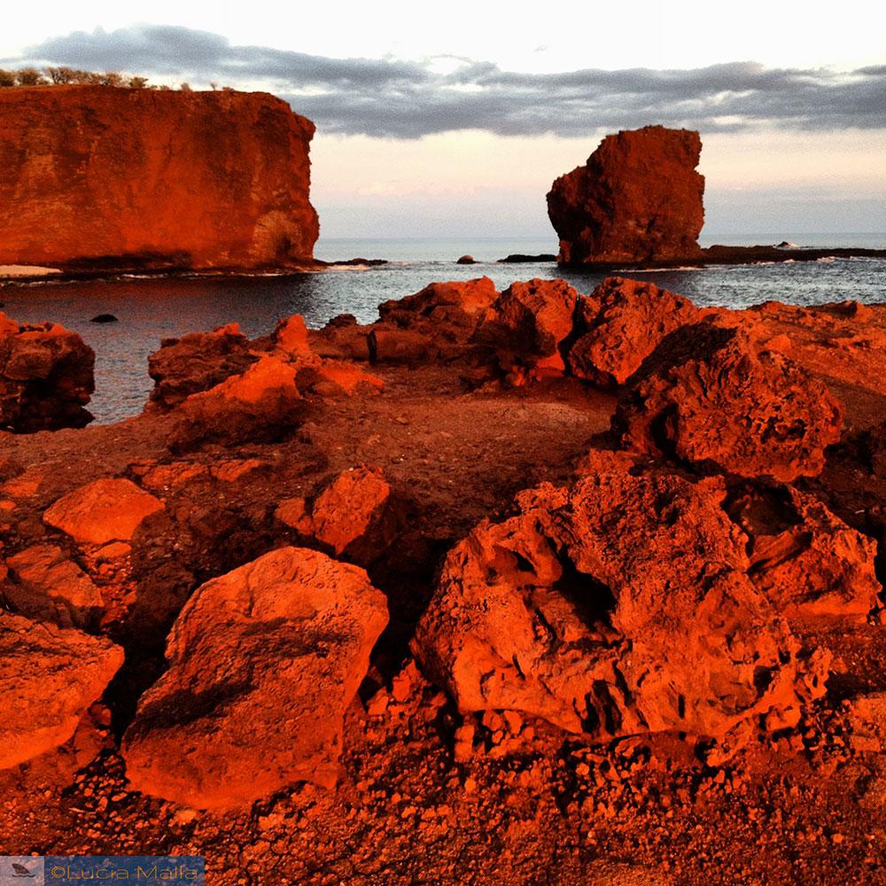 Sweetheart Rock ao entardecer - Lanai - Havaí