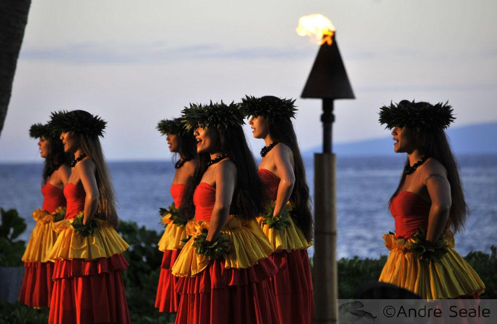 Guia de luaus no Havaí - dança hula