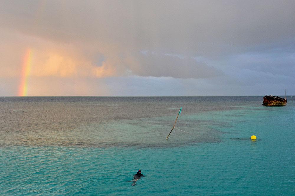 Amanhecer com arco-íris - Heron Island - Austrália
