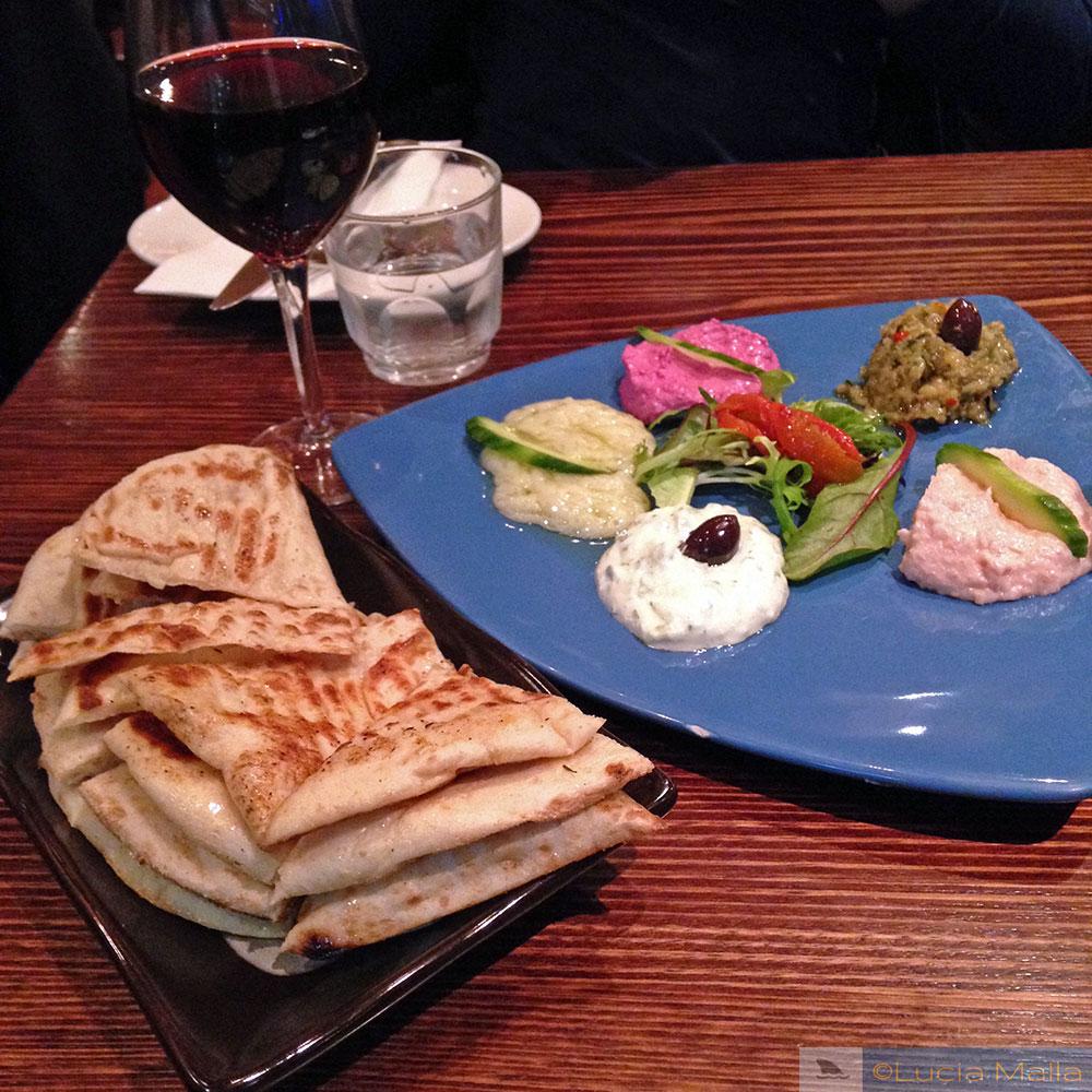 Em busca de Melbourne - comida grega
