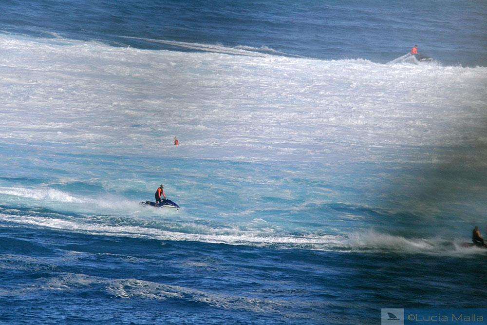 Jet ski para o surfe em Peahi - Maui