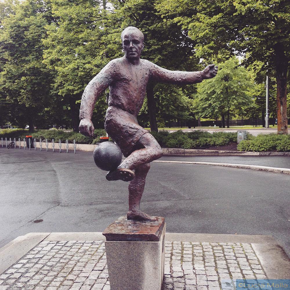 Estátua no Ullevi - Roteiro em Gotemburgo