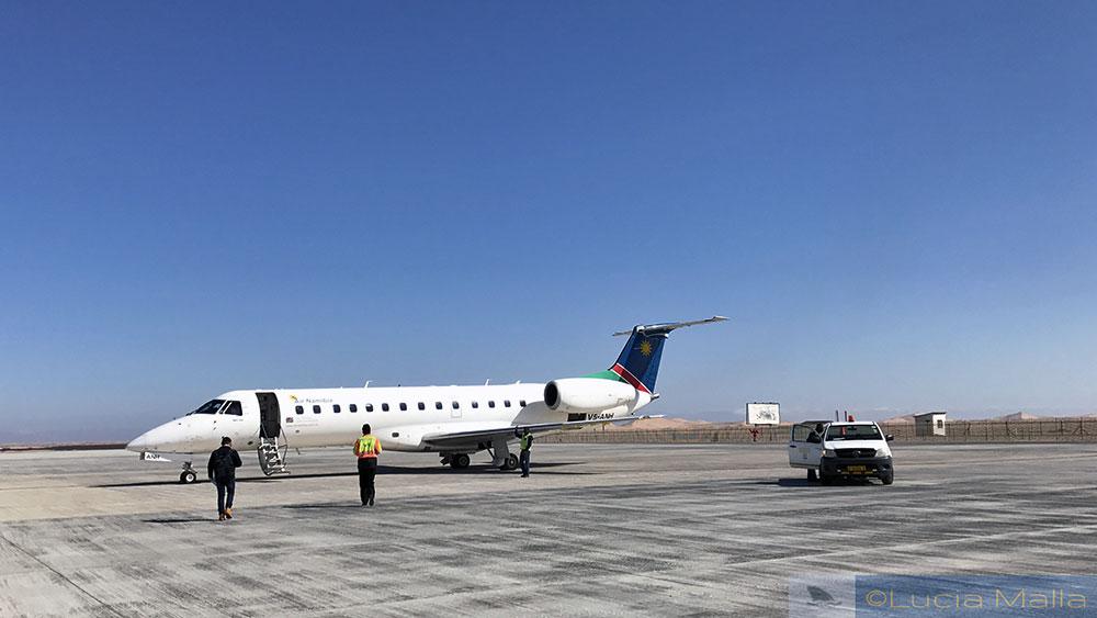 Aeroporto - Vôo de Walvis Bay - Air Namibia