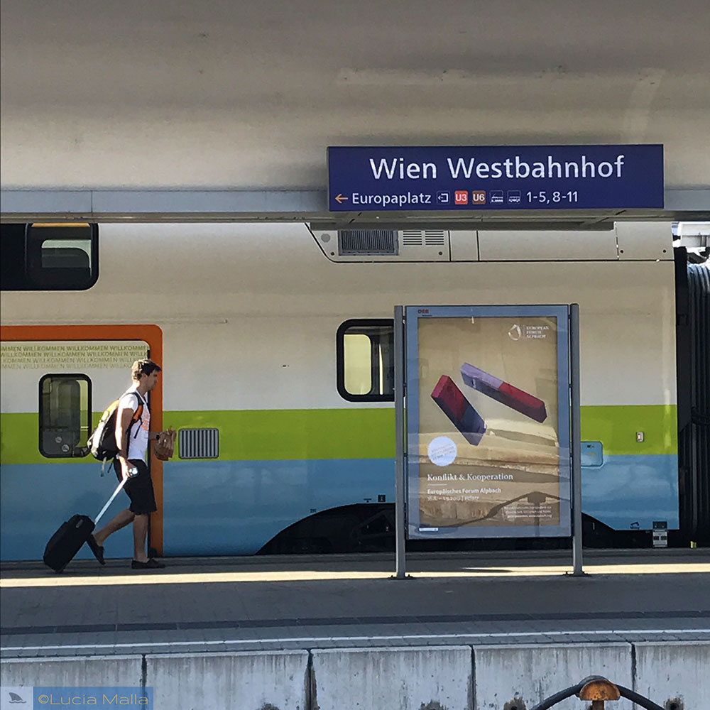 Wien Westbanhof - Antes do amanhecer