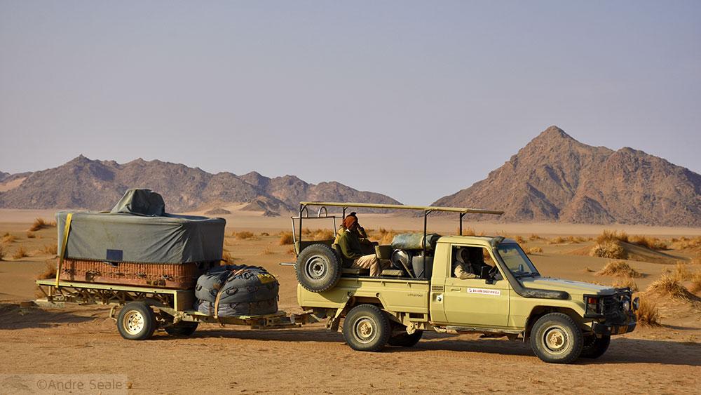 Caminhonete com o balão desmontado - Sossusvlei - Namíbia