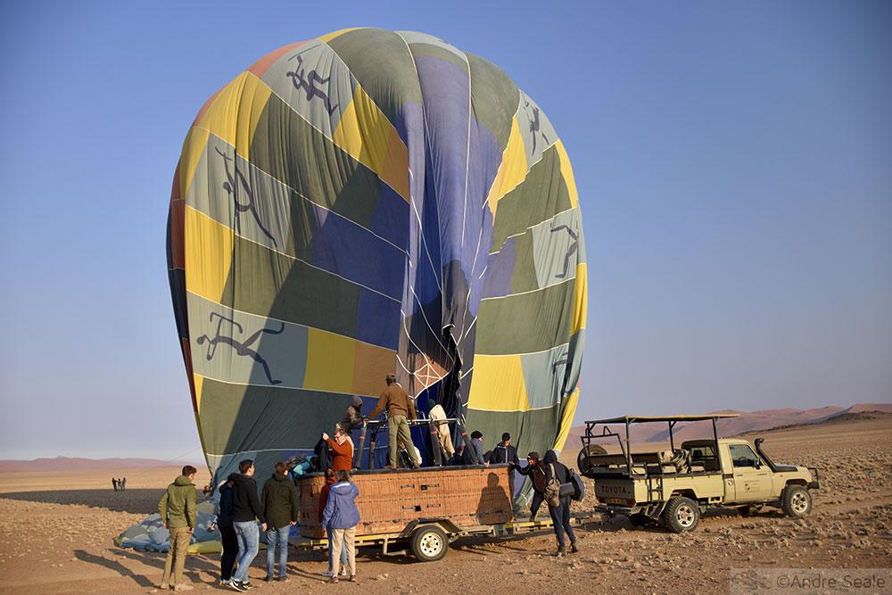 Passeio de balão no deserto da Namíbia