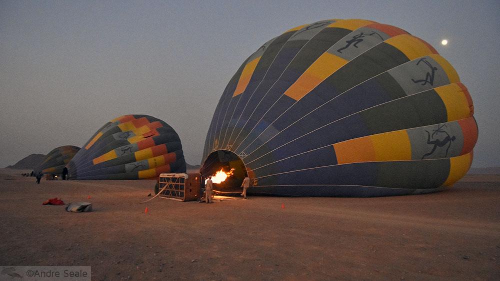 Enchendo os balões para o passeio
