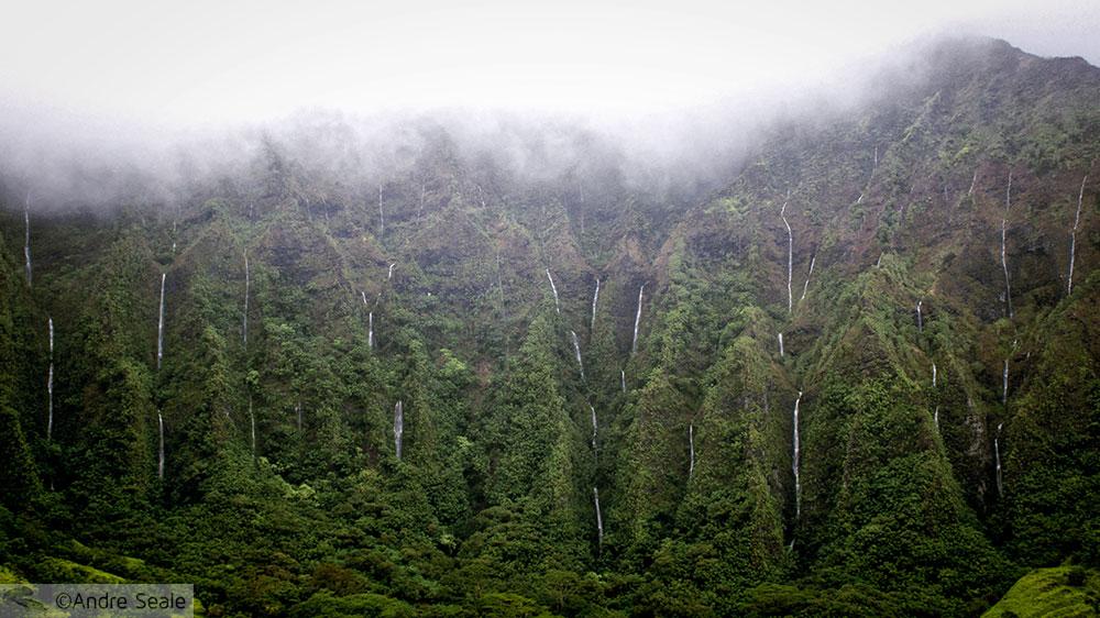 Rodovia H3 - cachoeiras temporárias em dia de chuva - dicas