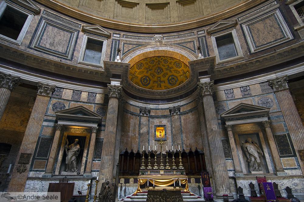 Dentro do Panteão Romano - Roteiro em Roma