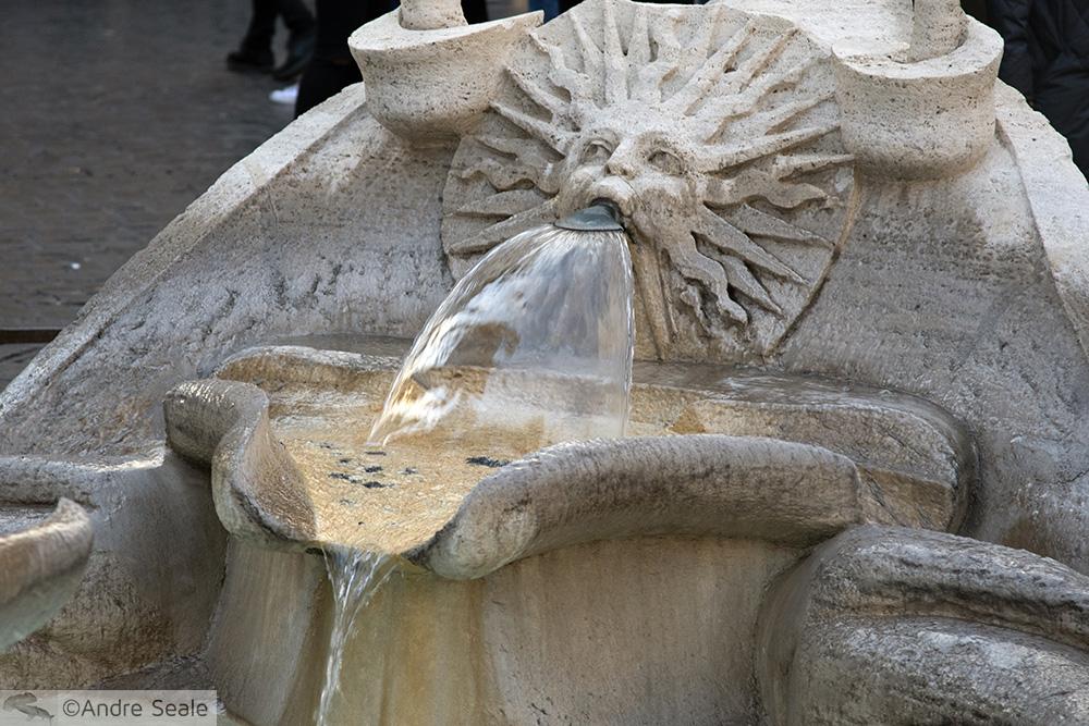 Fontana della Barcaccia - detalhe