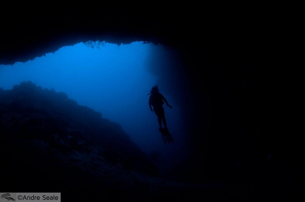 Mergulhadora em Sipadan - Malásia