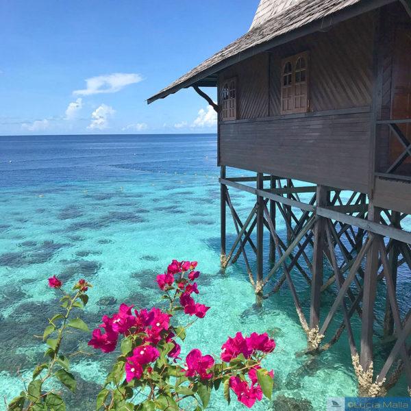 Bangalô no recife de coral em Kapalai - Sipadan