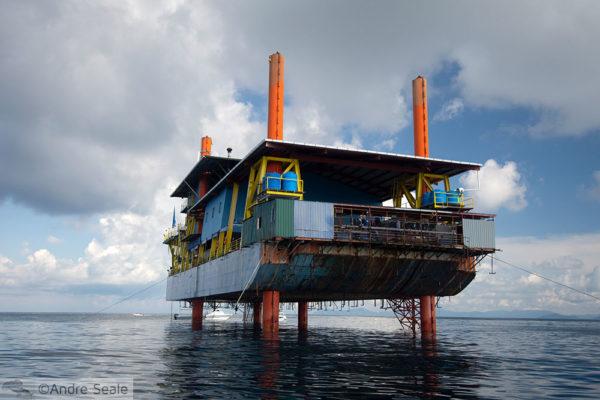 Dive resort na plataforma de petróleo - Mabul - Malásia